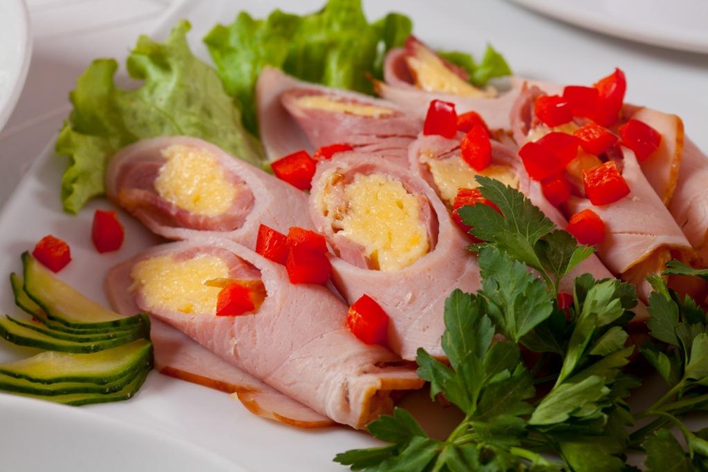 Закуска из ветчины - просто, быстро, красиво!